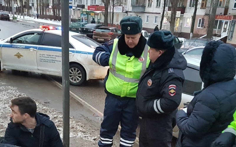 ВЛипецкой области под колесами «ВАЗа» умер пешеход