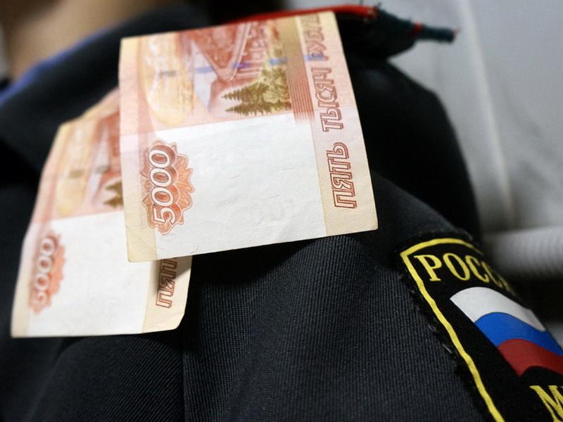 Высокопоставленного липецкого полицейского уличили впричастности получения крупной взятки
